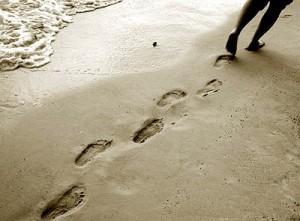 beach-footprints2-300x221